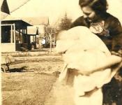 1921-Sarah-Gruber-holding-Leslie
