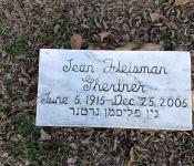 photo of Jean Fleisman Ghertner's tombsone