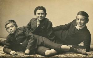 Pappy (center) circa 1909-1910